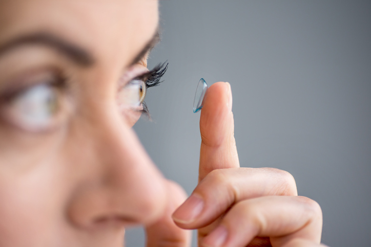 Care of contact lenses in Chicago