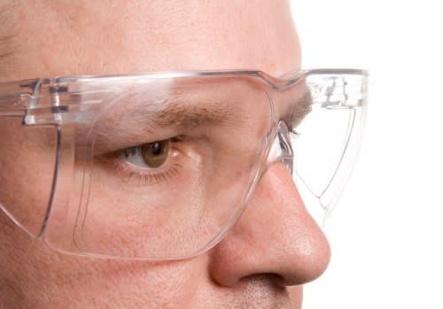 Avoid household eye injuries in Chicago